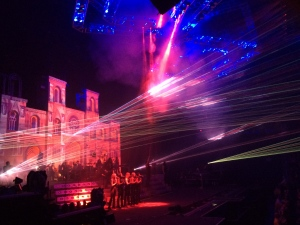 The bright reds and blues of the TSO show remind me of the emergency vehicle lights of our pre-show adventure!